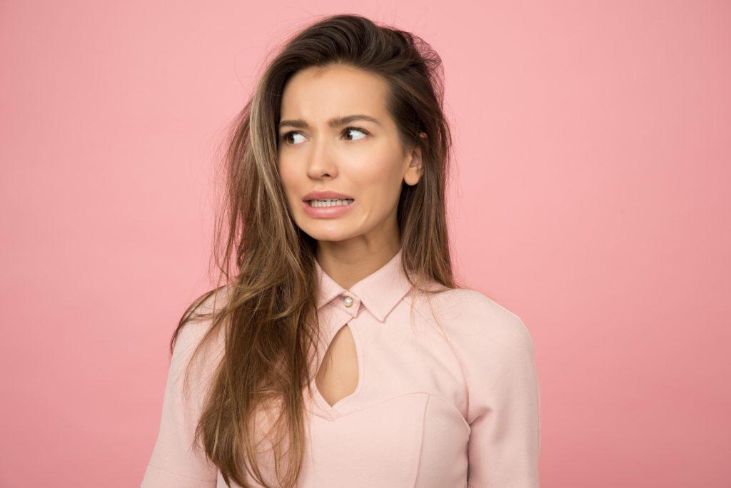 Jak możesz rozpoznać, że kobieta cię zdradza? Poznaj nasze metody