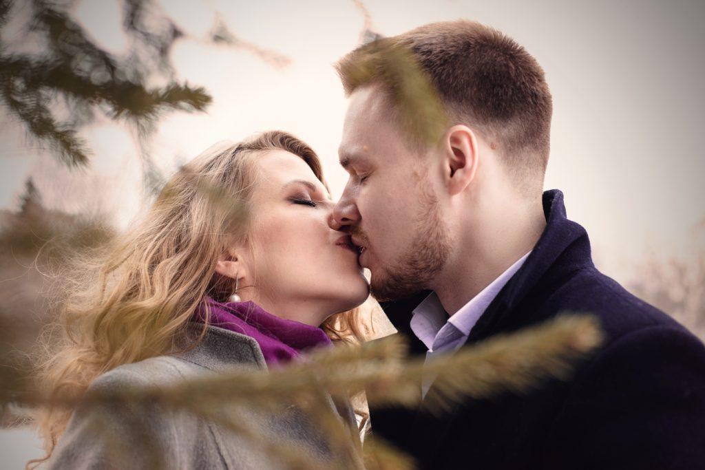 Zalety całowania się - czy warto? Poznaj wszystkie zalety