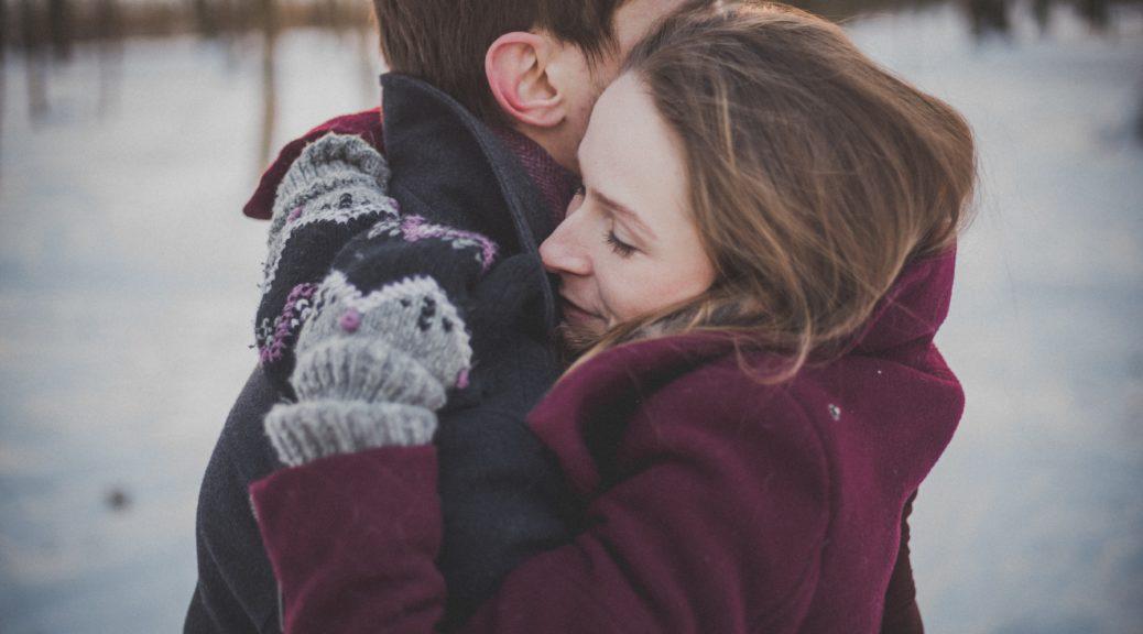 Przytulanie się - zobacz dlaczego warto się przytulać
